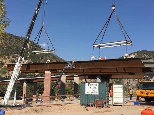 Setting Girders of the Grand Avenue Bridge